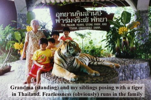 Family poses with the tiger